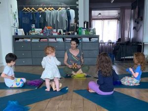 Yoga Tots at Do It Like A Mother HQ @ Do It Like A Mother HQ | Southend-on-Sea | United Kingdom